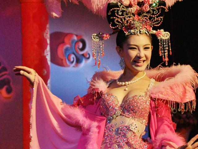 <芭提雅 蒂芬妮人妖歌舞秀表演 赠饮>景区取票 免打印