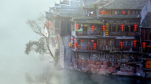 长沙-张家界大峡谷-玻璃桥-天门山玻璃栈道-凤凰古城双高5日游