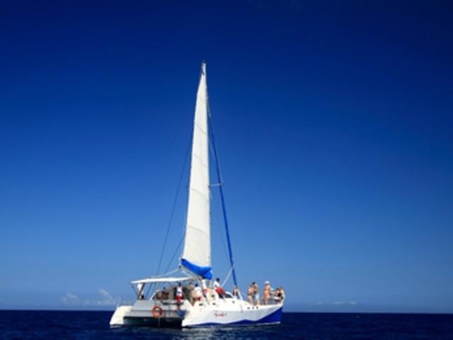 <毛里求斯北三岛双体船一日BBQ午餐> 浪滔滔兮来迎  鱼鳞鳞兮如缤