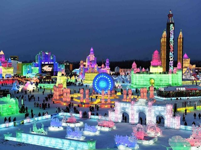 <哈尔滨冰雪大世界直通车1日游>0购物 晚出发3小时游玩 景区门票