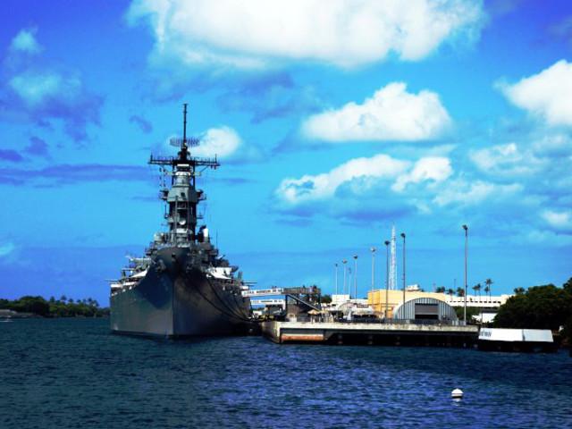 <美国夏威夷珍珠港深度一日游+中文导游+午餐+含门票>体验亚利桑那号+  密苏里战舰 + 鲍芬号潜水艇(当地参团)