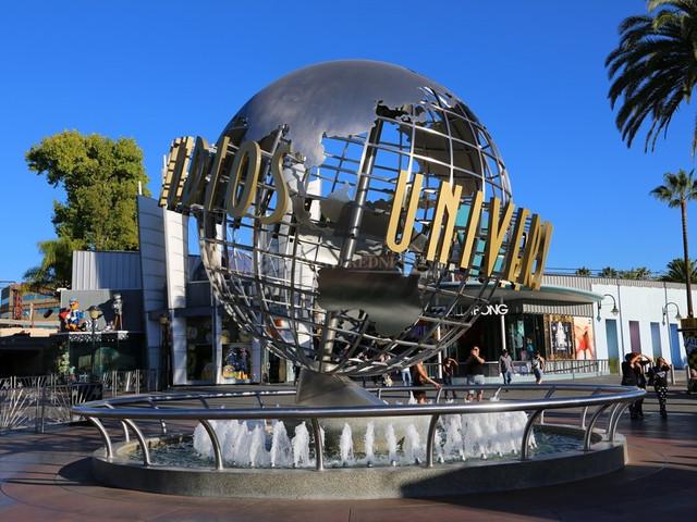 <美国好莱坞环球影城一日游>汇集众多刺激有趣的娱乐设施,好莱坞环球影城将给您充满精彩与刺激的一天