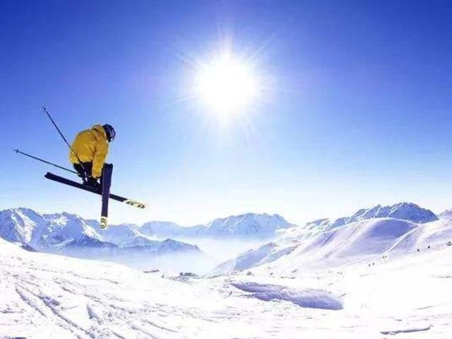 <酷乐山滑雪场滑雪1日团>雪场占地超过167英亩,6个小时左右的滑雪时间必定让您尽兴而归
