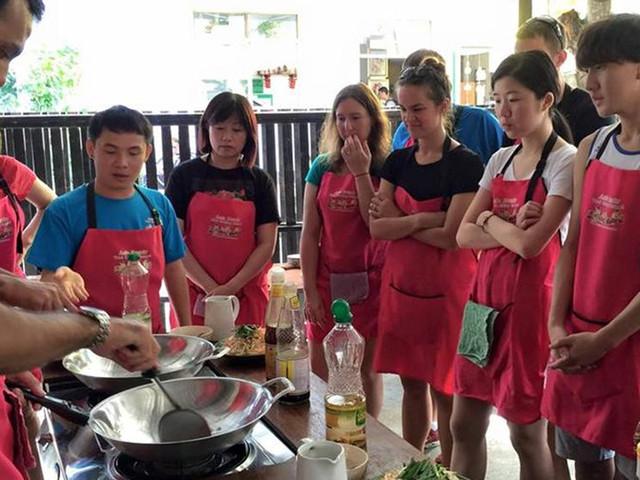 <泰国清迈Thai cookery school泰式烹饪学校 【厨艺学习体验+能吃能学两全其美+好玩新发现】>