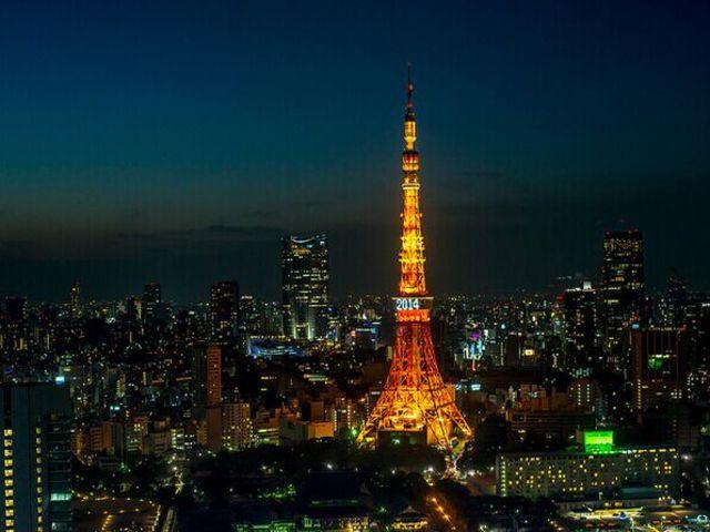 <日本東京市區至富士山往返包車>5至14座車可選,中文司兼導,全天10小時包車游