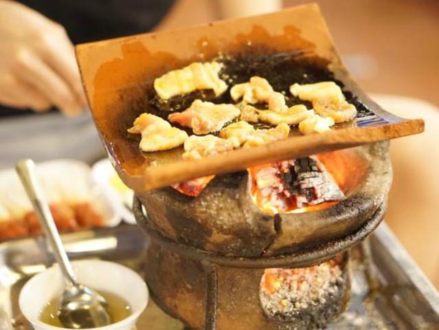 <越南芽庄 来瓦片烧烤海鲜美食套餐>别具特色的瓦片烤肉餐厅