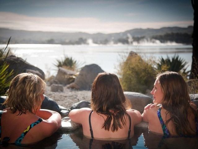<【2-11人小团】-新西兰北岛-奥克兰-玛塔玛塔-罗托鲁瓦4日游>可包团出行/特赠波利尼西亚温泉票/北岛经典全览/打卡电影同款霍比特人村/怀托摩萤火虫/毛利文化村(当地参团)