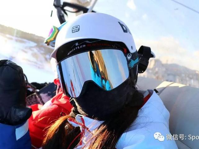 <上京国际滑雪1日游>打卡SSSS滑雪不限时 /往返车/雪具(包含雪鞋、雪板、雪仗)网红短视频霸屏朋友圈/ 天天发团