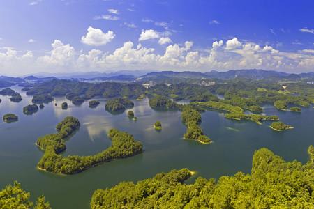 <千岛湖2日游>宿阳光水岸度假村或维也纳酒店湖景房,一房一湖景一阳台,可选行程千岛湖中心湖或骑行