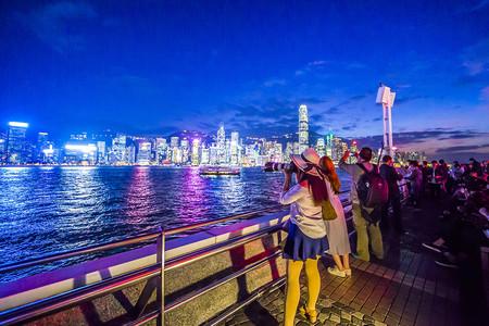 <香港-澳门3晚4日游>高端纯玩0购物,香港高档酒店,2成人出行赠送上网电话卡,含大型游船游维港,一天迪士尼乐园,一天自由活动,登太平山观景