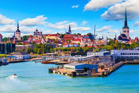 <波罗的海深度游+立陶宛+拉脱维亚+爱沙尼亚+萨列马岛+白俄罗斯10天8晚跟团游>纯美浪漫的爱沙尼亚、深度美食体验、库雷萨雷城堡和陨石坑
