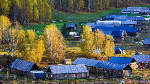 新疆+乌鲁木齐+可可信海+禾木+喀纳斯+吐鲁番+天池双飞8日游
