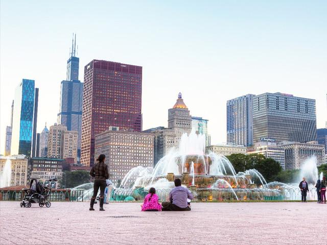 <美国芝加哥市区包车一日游>阿莫科大厦+西尔斯大厦+期货交易所+商品交易所+格兰特公园,司导专车服务7座15座车型任选