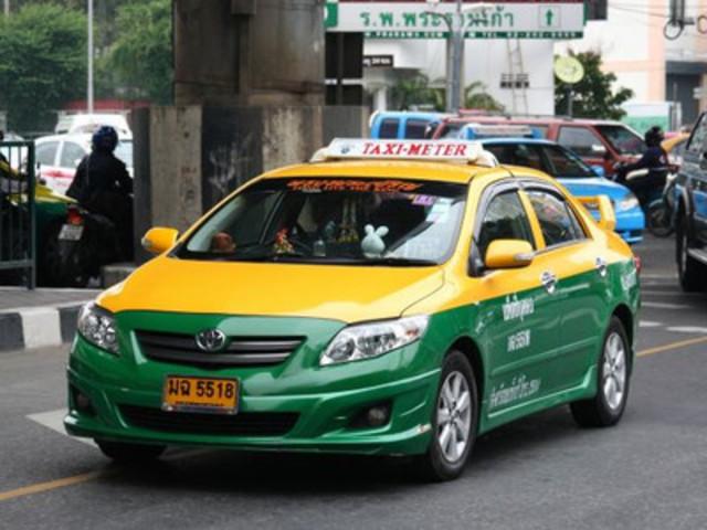 <泰国 曼谷 素万那普 或 廊曼机场 专车接机 送机 点对点包车服务>4座-9座可放行李   专车接送,安全,高效,专业