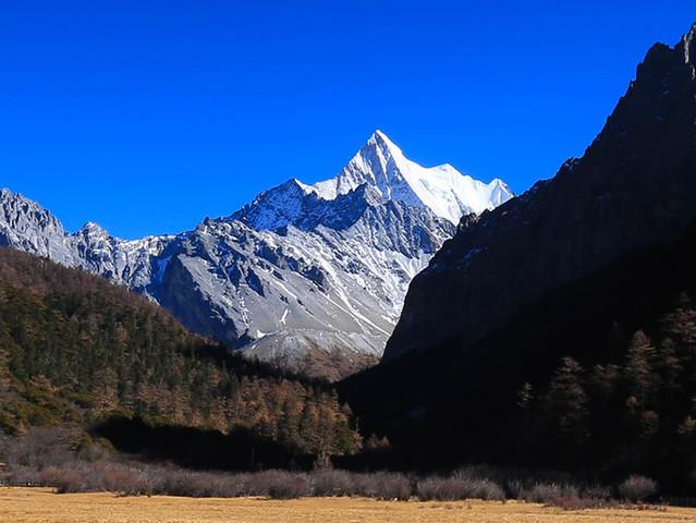"""<四川稻城亚丁5日自驾导航路线>""""水蓝色星球上的一片净土"""",是摄影爱好者的天堂"""
