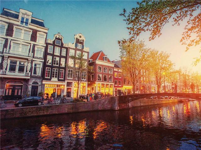 <卢森堡·比利时·荷兰 三国7天6晚深度游>走荷兰曾经走过的路 玩卢森堡小而精的景 看比利时一贯繁荣的城(当地参团)