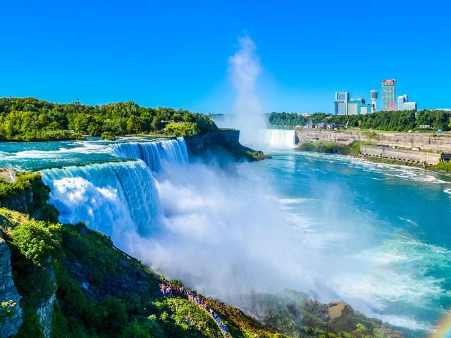 <美國尼亞加拉瀑布+加拿大+尼亞加拉瀑布+多倫多+蒙特利爾4日游>天龍塔上享用西餐,欣賞瀑布美境,邂逅蒙特利爾