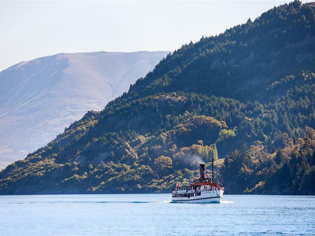 <新西兰南岛11日游>皇后镇4天自由活动6夜湖畔四星住宿 西海岸冰川- 孤独的树-TSS蒸汽船-米佛峡湾-小蓝企鹅-蒂卡波(当地参团)