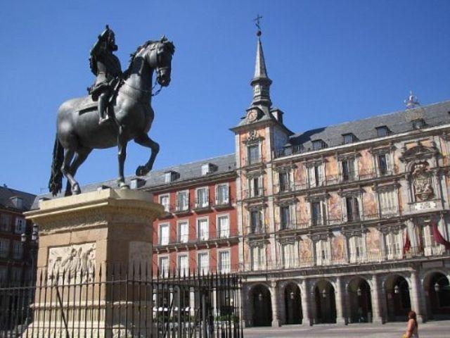 <西班牙-葡萄牙7晚8日大巴游>托莱多/马德里/巴塞罗那/红宫/阿卡萨城堡/巴伦西亚/格拉纳达/玛利亚路易莎公园 里斯本集散(当地游)