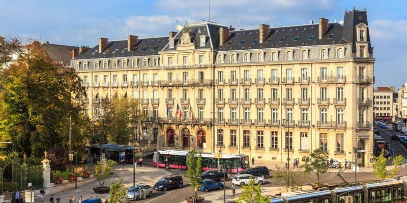 Grosse Chatte Charnue à Defoncer D'une Libertine De Marseille